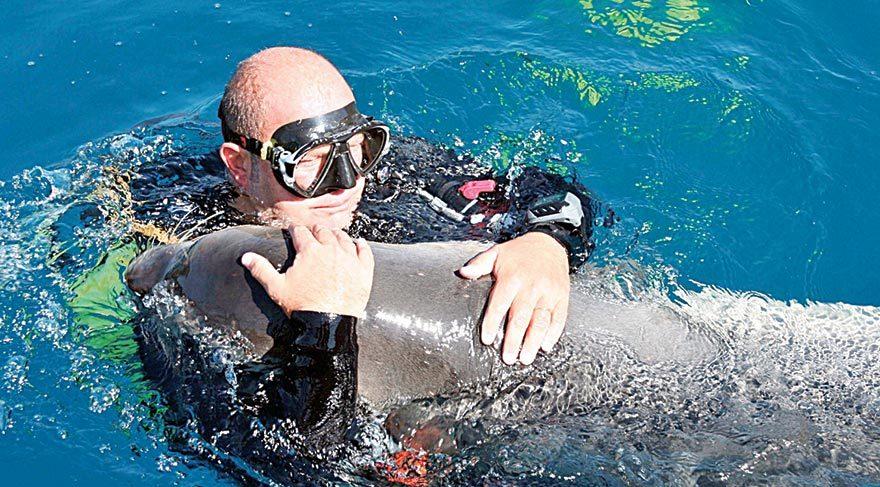 Merhum işadamı Mustafa Vehbi Koç'un deniz sevgisi ölümsüzleşiyor