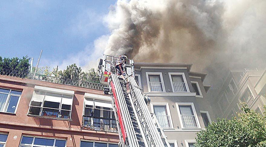 Cihangir'de korkutan yangın