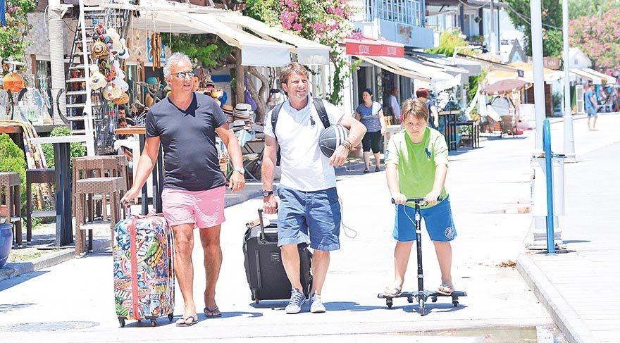 Baba-oğul tatil keyfi
