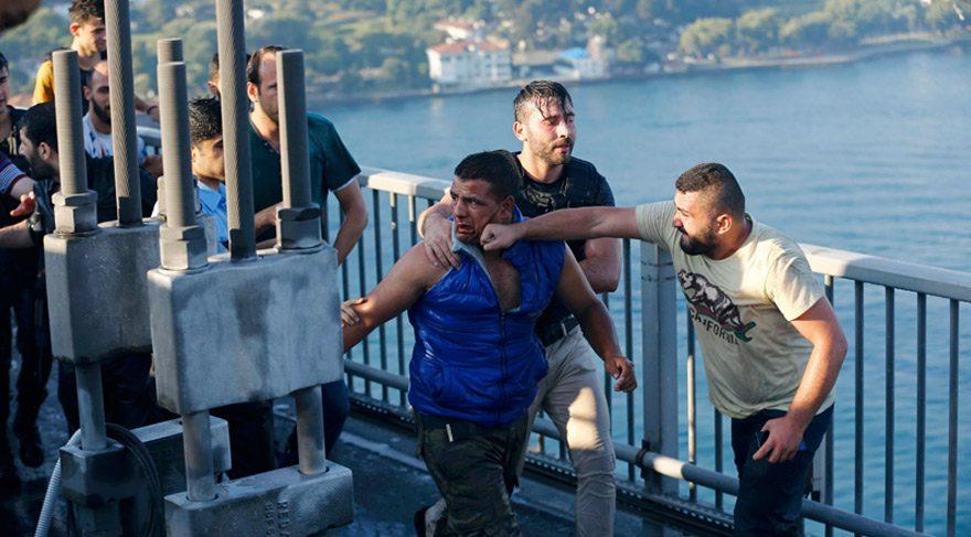 Boğaziçi Köprüsü'ndeki olayları dünya bu fotoğraflarla gördü