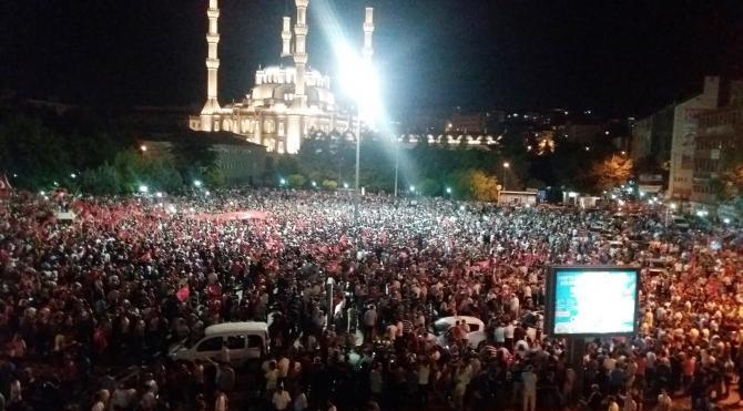 Kırıkkale'de mehteranlı gösteride demokrasi nöbeti
