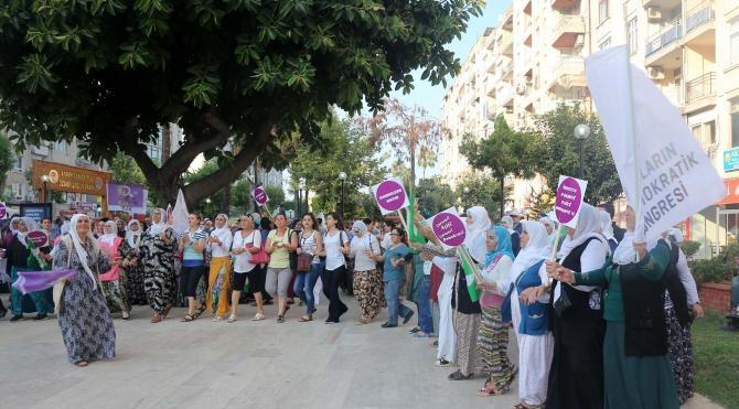 HDP'li kadınlardan demokrasi nöbeti