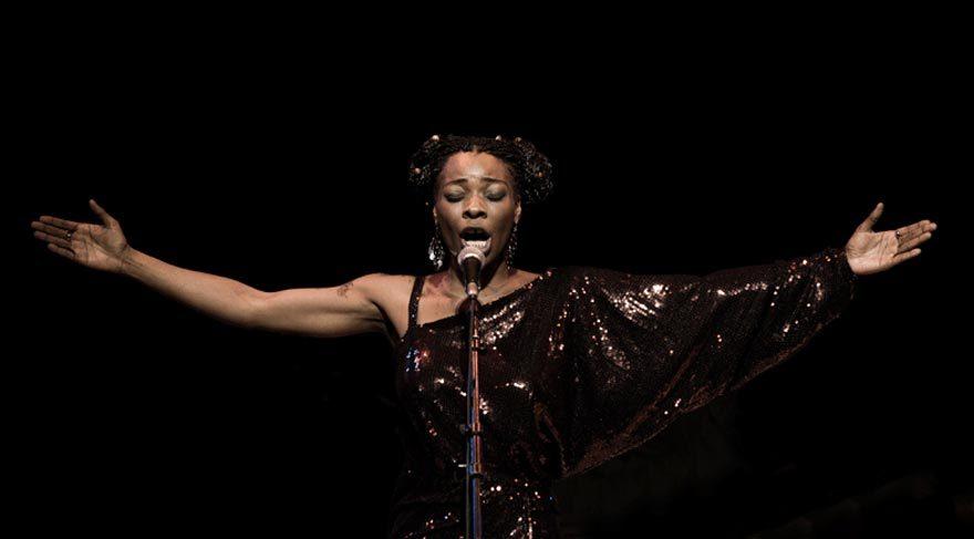 Latin müziğinin kraliçesi Buika İstanbul'a geliyor
