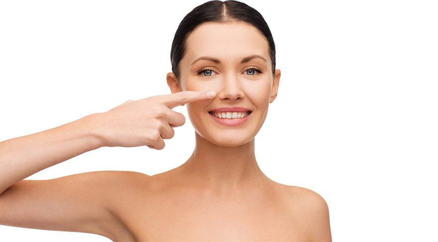 Tıraşlama yöntemi ile burnun sivri noktaları, inceltme, çıkıntı, fazlalık kısımlar törpülenir.