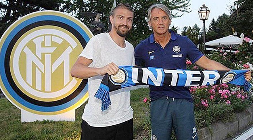 Caner Erkin yeni takımı Inter Milan'ın kampına katıldı