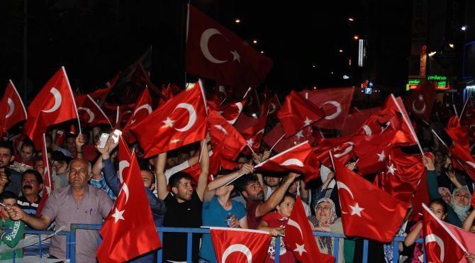 Nevşehir'de demokrasi nöbeti sürüyor