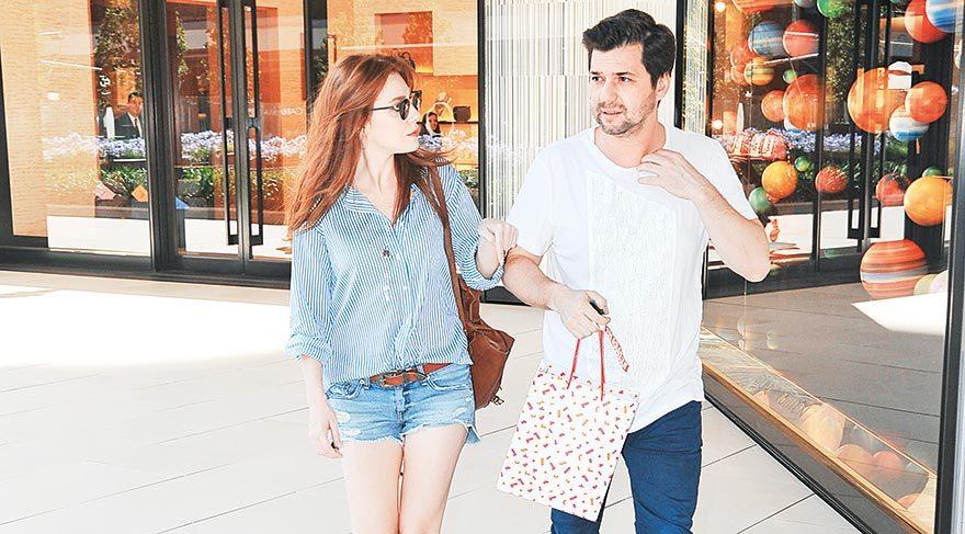 Elçin Sangu sevgilisini alışverişe çıkardı