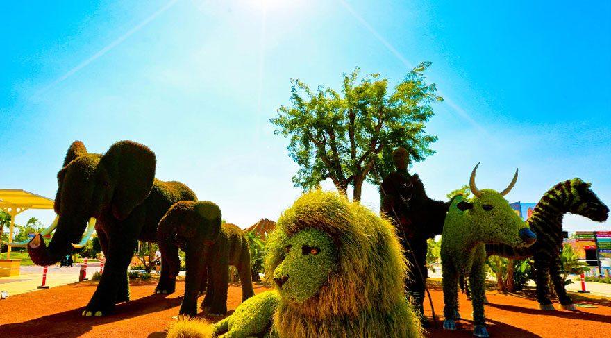 Expo'nun gözdesi bitki heykeller