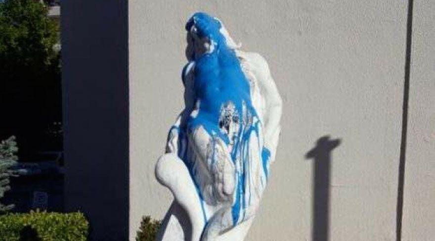'Özgür Olmak' heykeline ikinci saldırı