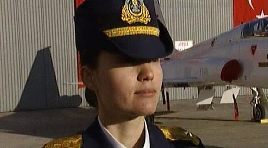 Kadın pilot: Darbe girişimi olduğunu sonradan öğrendim, yine de emirleri uyguladım 90