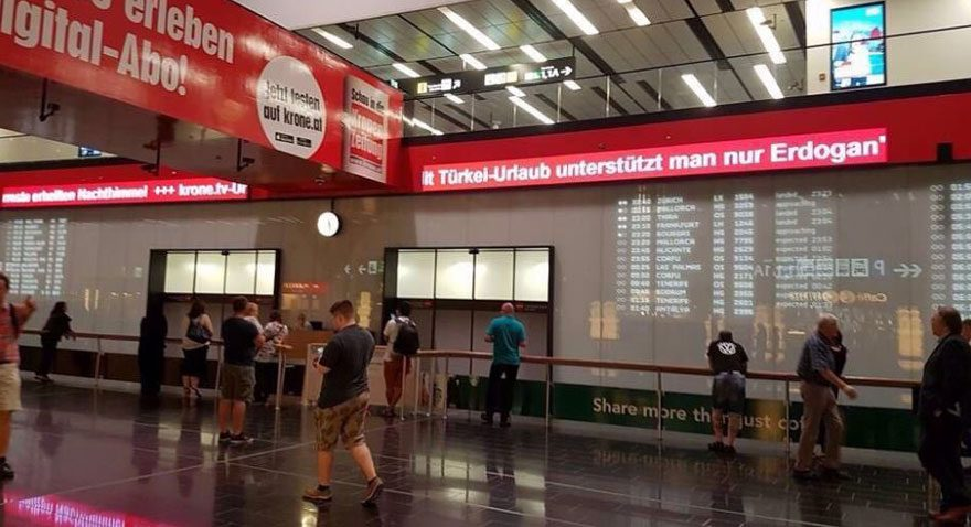 Viyana Uluslararası Havalimanı'nda skandal yazı kaldırıldı