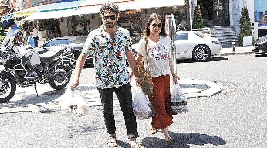 Mehmet Ali Nuroğlu ve eşi bayram alışverişinde