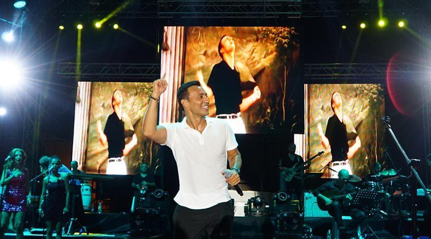 Mustafa Sandal bir konserde 521 kalori yakıyor