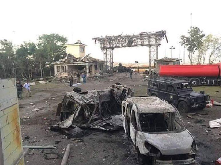 FOTO: DHA / Özel Harekat Dairesi'ne yapılan baskında pırıl pırıl 47 vatan evladımız şehit düştü.