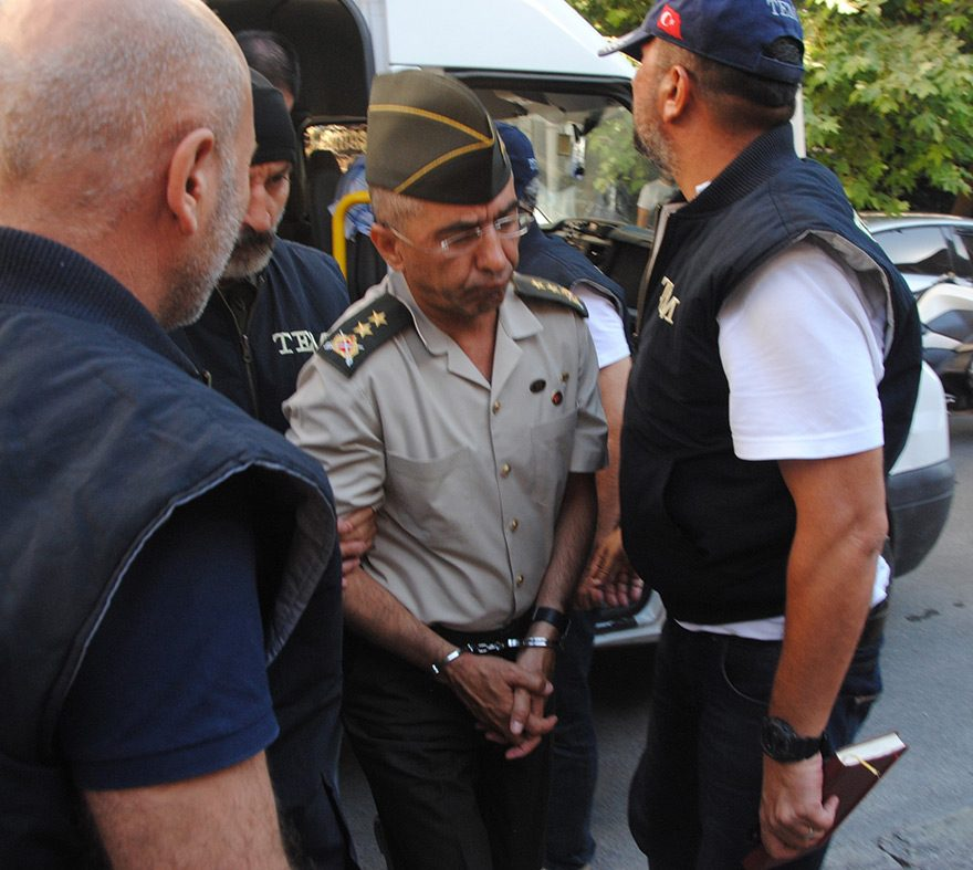 Ege Ordusu Komutanlığı Kurmay Başkanı Tümgeneral Memduh Hakbilen gözaltında
