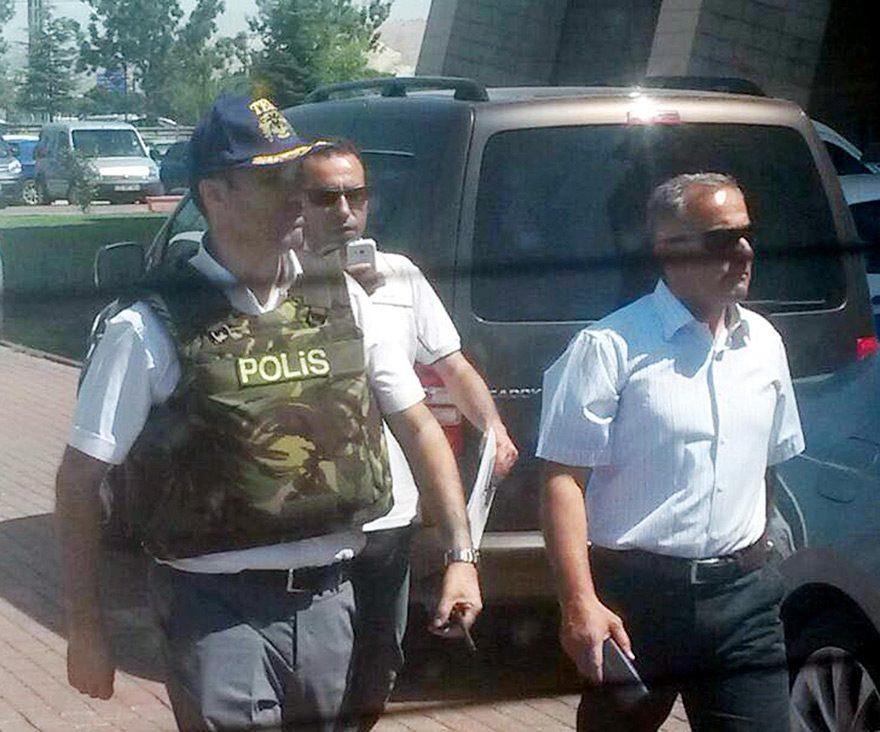 Isparta'da iki üst düzey komutan gözaltında