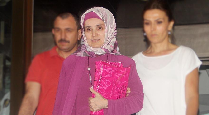İlk türbanlı Rektör Saraç tutuklandı