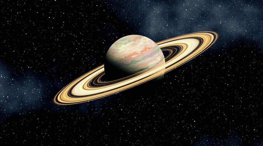 Satürn döngüsü, hayatta çok önemli bir virajdan geçmek veya yol ayrımına gelmek gibidir aslında. Herkesin Satürn hikayeleri elbette farklı olabilir ama burada asıl mesele yedişer yıllık döngüleri yakalamak aslında... Yedişer yıllık döngülerde, aileden vefatlar olabilir. Bir aşk konusu hayatınızın içine edebilir, mesleki bir değişim olabilir, evlenebilir veya boşanabilirsiniz.
