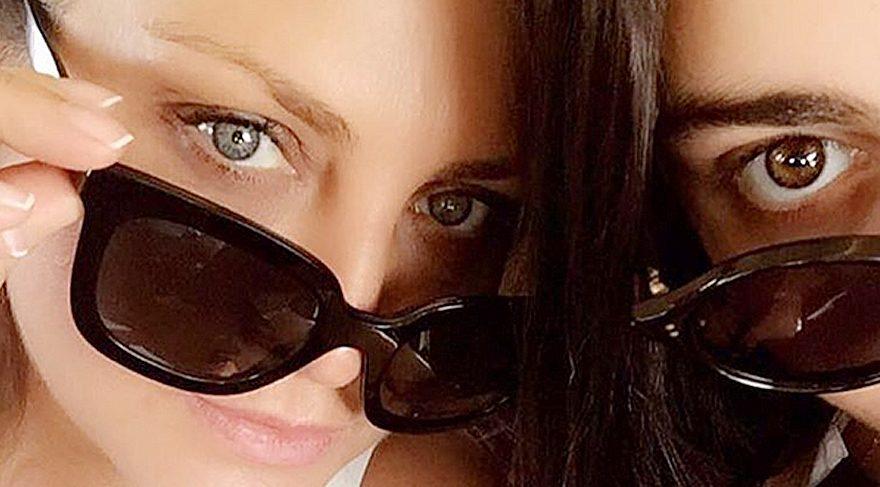 Sibel Can'dan bayramlık 'anne kız' paylaşımı