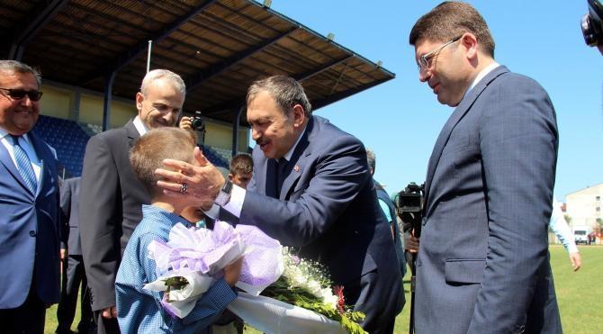 Bakan Eroğlu, sel felaketinin yaşandığı Bartın'da incelemelerde bulundu