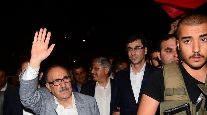 Bitlis'te demokrasi nöbeti