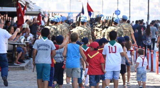 İzmir'de 30 Ağustos coşkusu