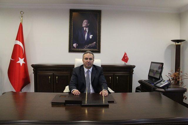 Milli Savunma Bakanlığı'nın ilk sivil müsteşarı Vali Ali Fidan oldu.