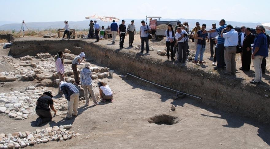 2 bin 400 yıllık ateş tapınağı bulundu