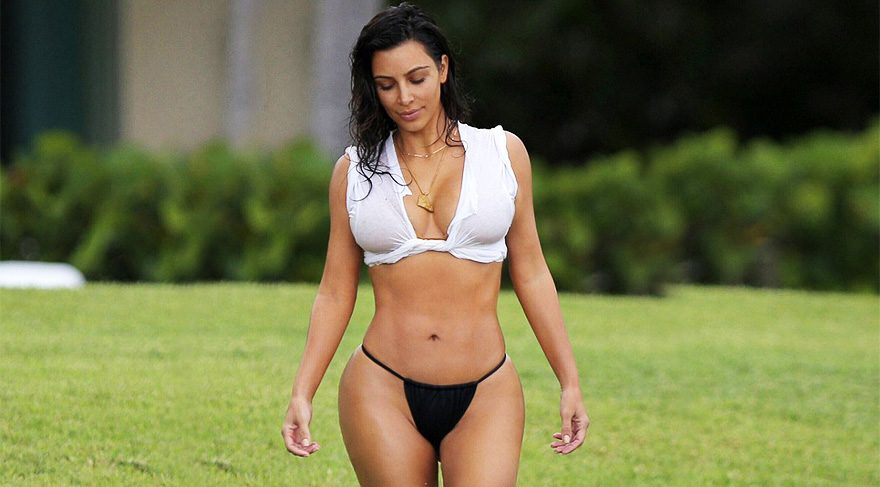 Kim Kardashian'ın plaj stili