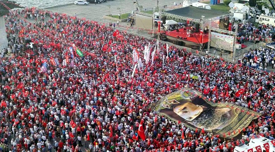 CHP'den İzmir'de 'Cumhuriyet ve Demokrasi' mitingi
