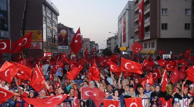 Nevşehir'de Demokrasi ve Şetiler Mİtingi coşkusu