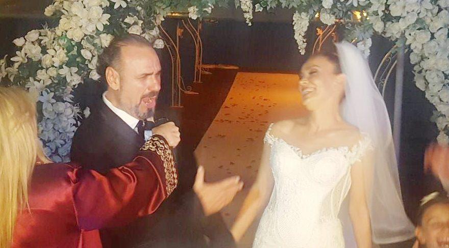 Hakan Aysev Banu Karaca ile evlendi