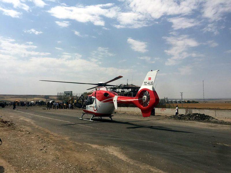 FOTO:DHA - Olay yerine ambulans helikopterler de sevk edildi.