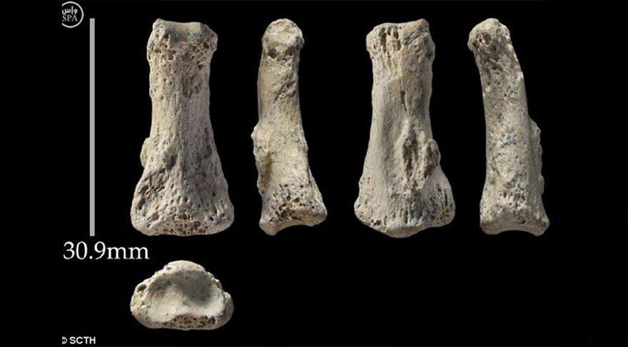 Ortadoğu'nun en eski insan kemiği bulundu: 90 bin yıllık orta parmak kemiği
