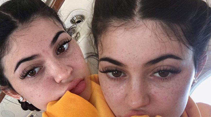 Kylie Jenner'dan makyajsız selfie