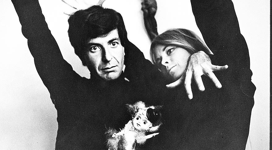 Leonard-Cohen-et-Marianne-Ihlen_(c)-John-Max