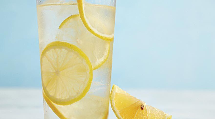 Limonlu su gerçekten zayıflatıyor mu?