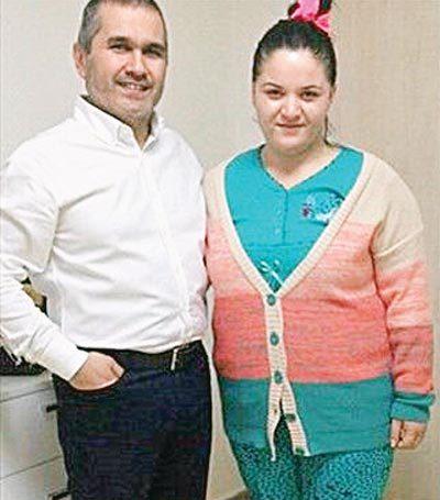 """Merve'yi ameliyat eden genel cerrahi uzmanı Doç. Dr. Serdar Kaçar """"Merve kendi hayatını kendi değiştirdi. Başrolde o var. Nikah şahidi olmayı gururla kabul ettim"""" dedi."""
