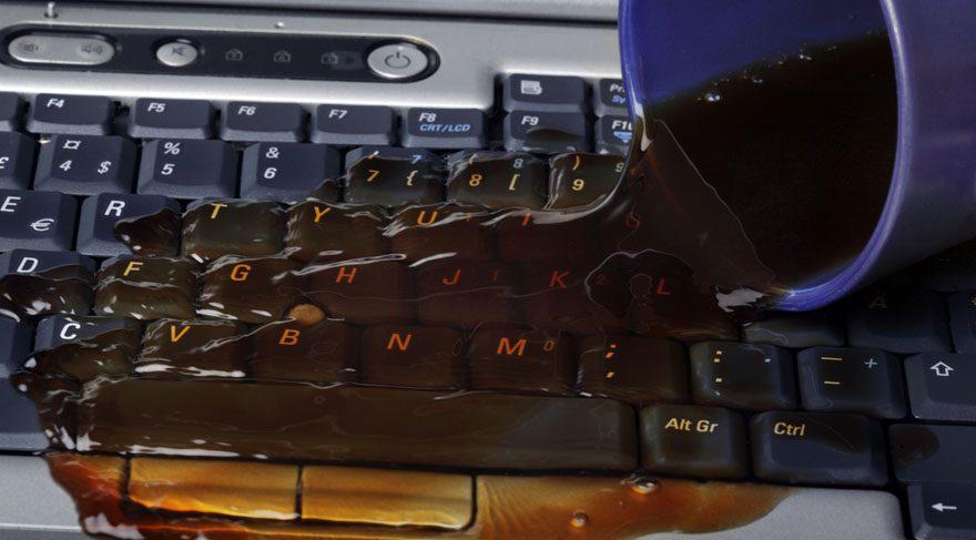 - Klavyenizin çevresine içeceklerinizi koymayın mesela, klavyenizden dolayın sonra.