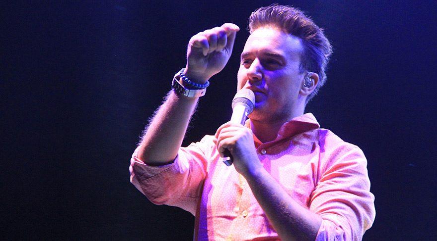 Mustafa Ceceli konserde yaptığı açıklamayla beğeni kazandı