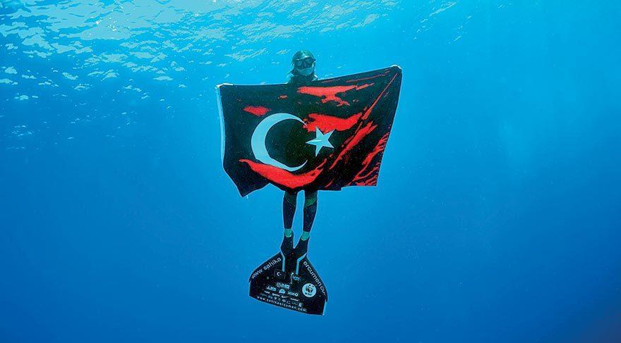 Türk bayraklı 'zafer' kutlaması