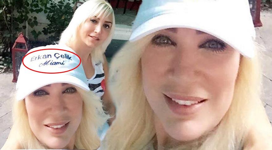 Seda Sayan sevgilisinin adını şapkasında taşıyor