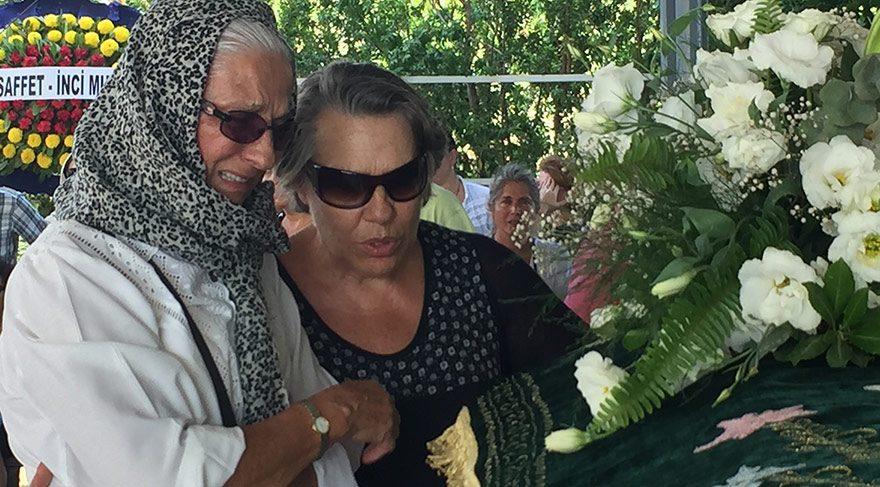 Yıldız Kültür eşini son yolculuğuna uğurladı
