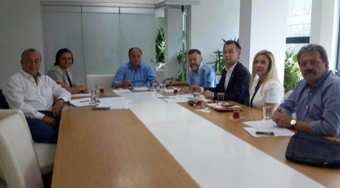 CHP, 'Her eve bir iyilik yap' sloganıyla kapı çalacak