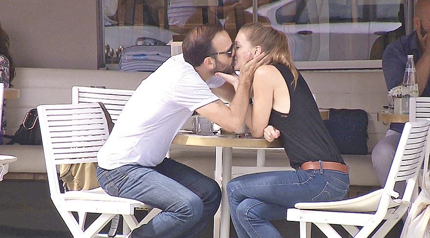 Gürgen Öz, sevgilisiyle öpüştü