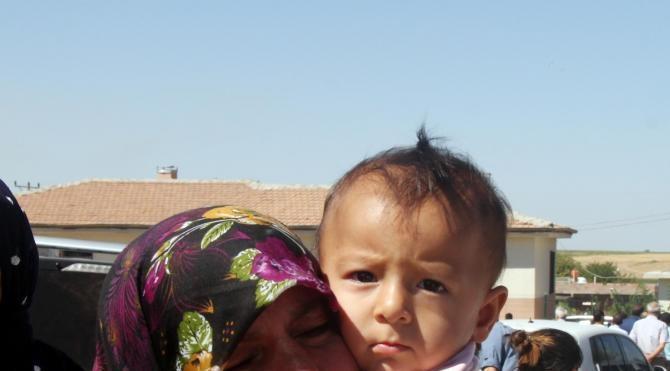 Şanlıurfalı şehit uzman çavuş, Kürtçe ağıtlarla son yolculuğuna uğurlandı