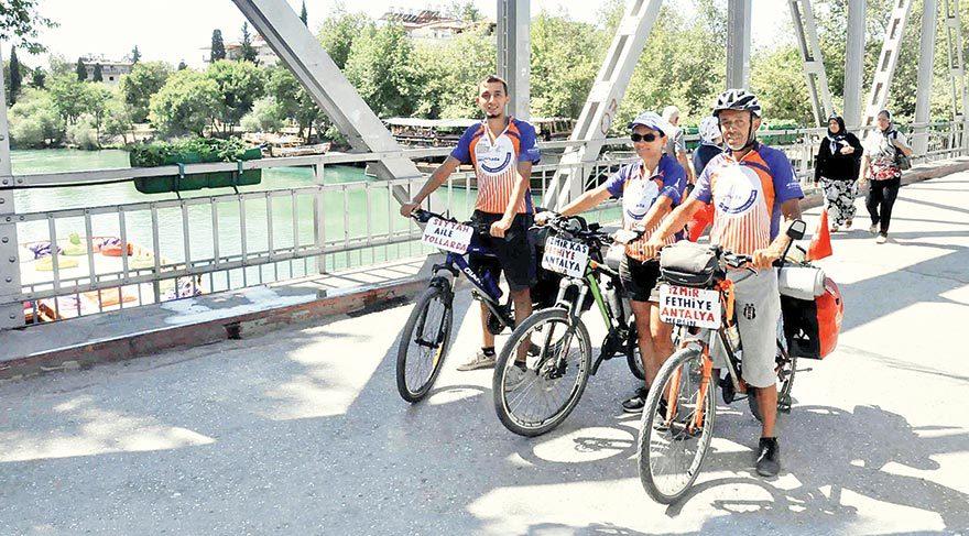 Bisikletle bayram ziyareti