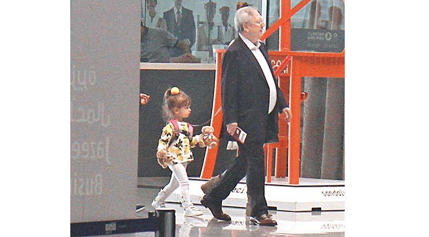 Başkan ailesiyle tatile çıktı