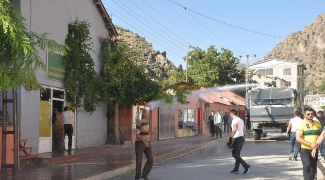 Çukurca'da Barış Günü etkinliğinde olay çıktı