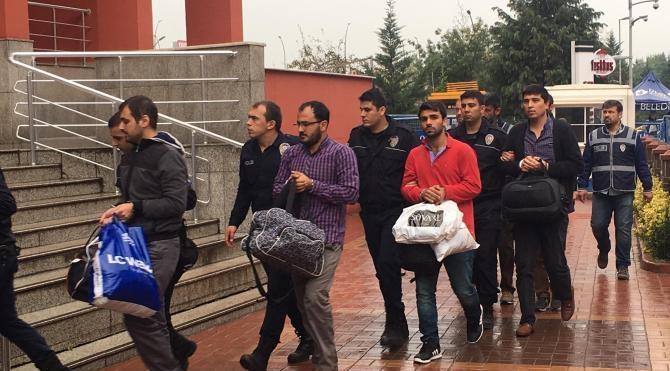 Kocaeli'de FETÖ operasyonunda 10 öğretmen adliyeye sevk edildi